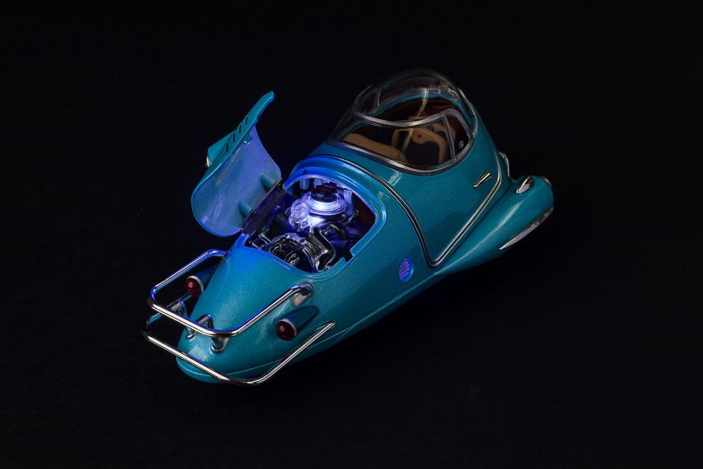 Fusion-Flea-hood-up-engine-lit-2350x3525px.jpg