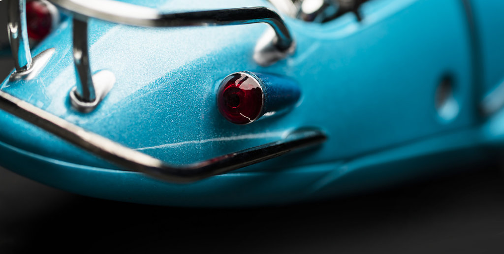 CLose-up-Fusion-Flea-rear-light-3052x1583.jpg