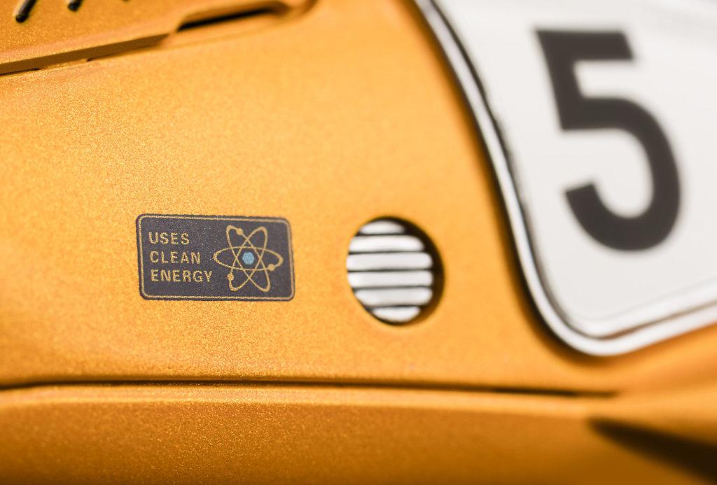 Close-up-Racing-Flea-Clean-Energy-2390x1617px.jpg