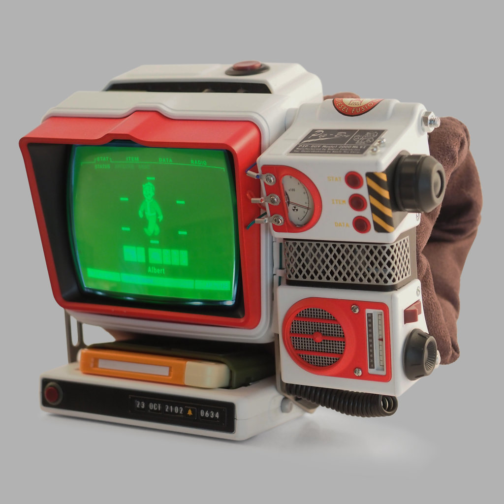 Red-Rocket-Pip-Boy-with-display-on-Grey-BG-3x3kpx.jpg