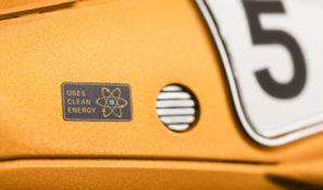Close-up-Racing-Flea-Clean-Energy-2390x1617px